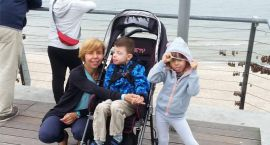 Skradziono wózek inwalidzki 9-letniego Kuby na oś. Stasica
